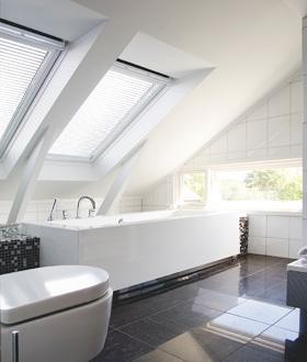 la lumi re selon velux initiales gg. Black Bedroom Furniture Sets. Home Design Ideas