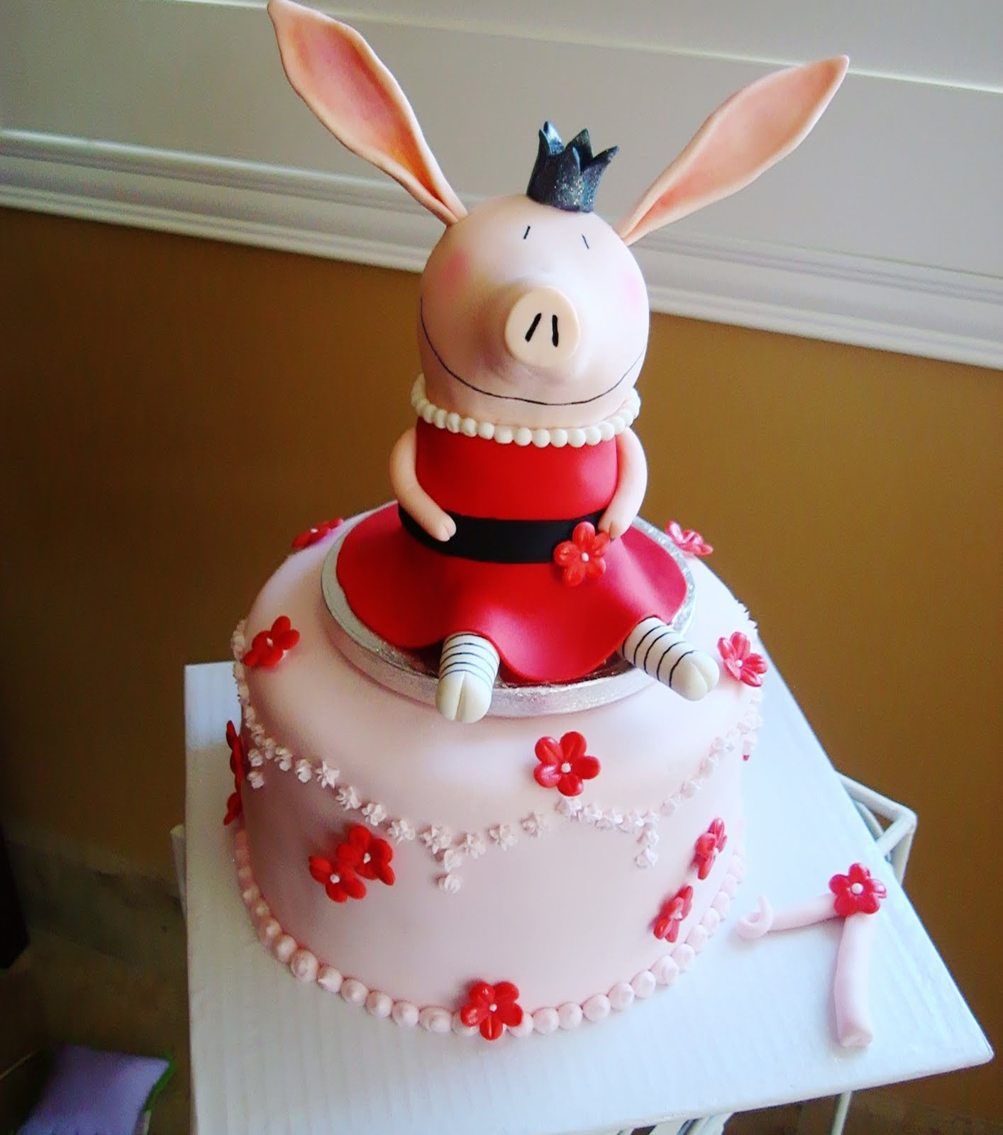 Design Minded: Princess Olivia Cake + Dairy Free