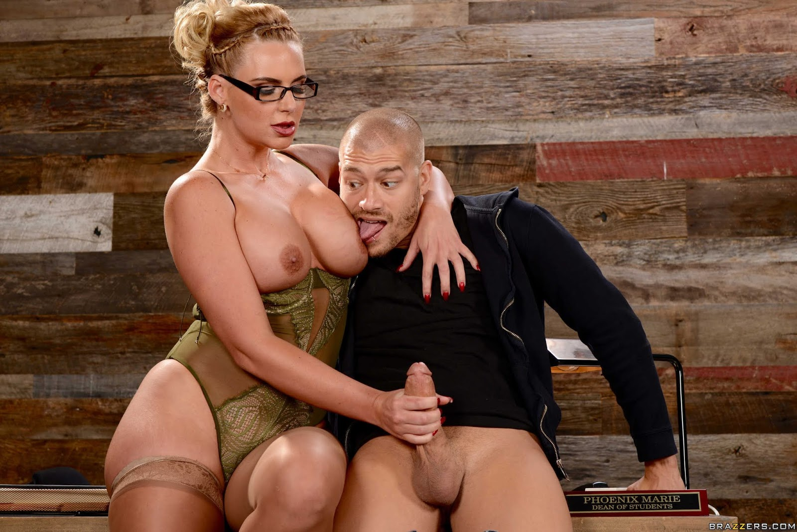 Phoenix-Marie-%3A-Breaking-And-Entering-And-Insertion-%23%23-BRAZZERS-76vw9eeae6.jpg