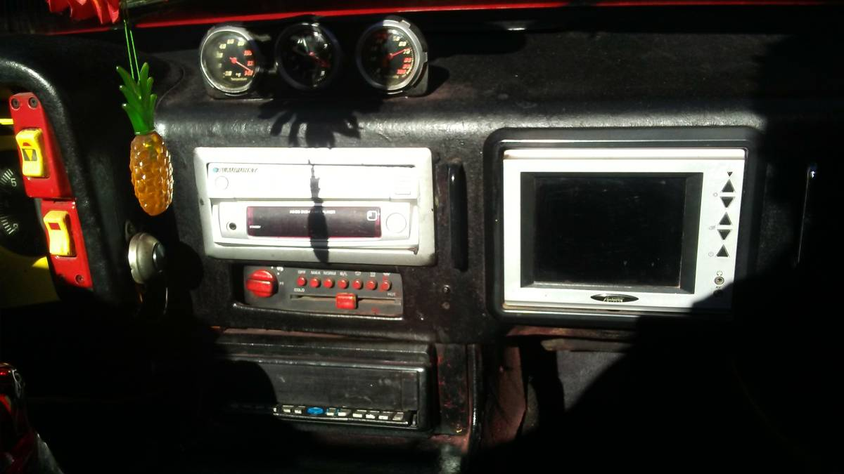 Fiero Pontiac Console Cut Holes And Install Pawn Shop Electronics Thatll Have Em Believing Its A Real Ferrari