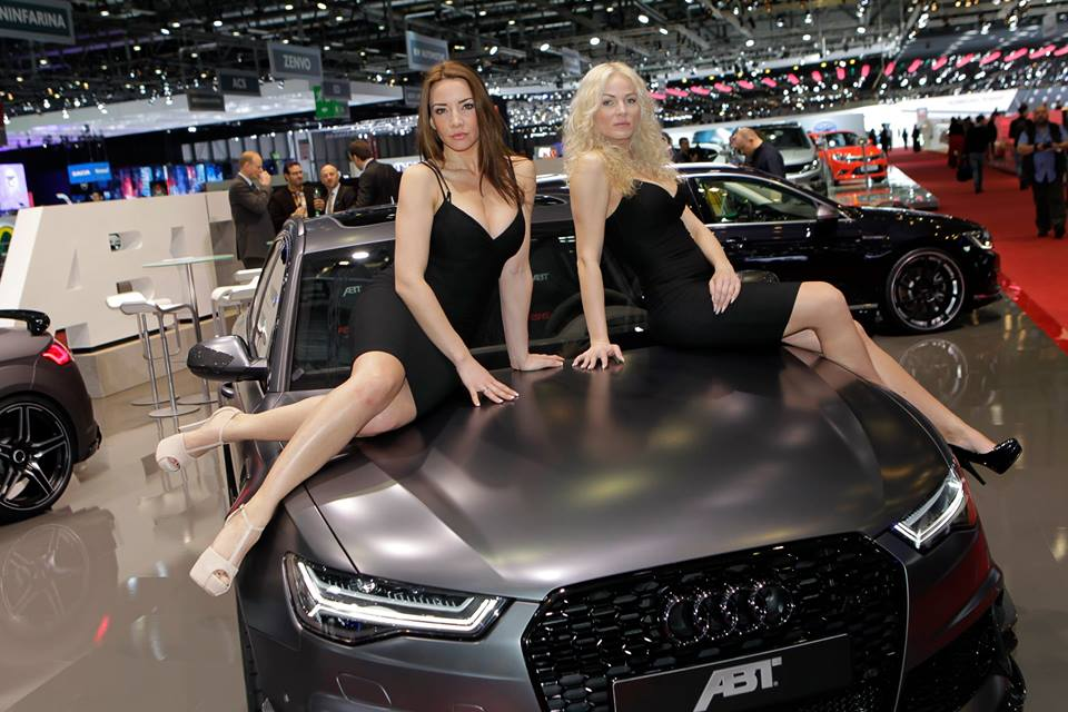 New Delhi Audi Luxury Car Ex Showroom The World Of Audi Showroom