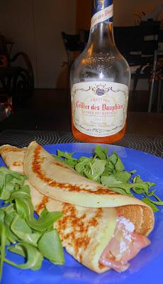 Crepe con salmone e vino rosè