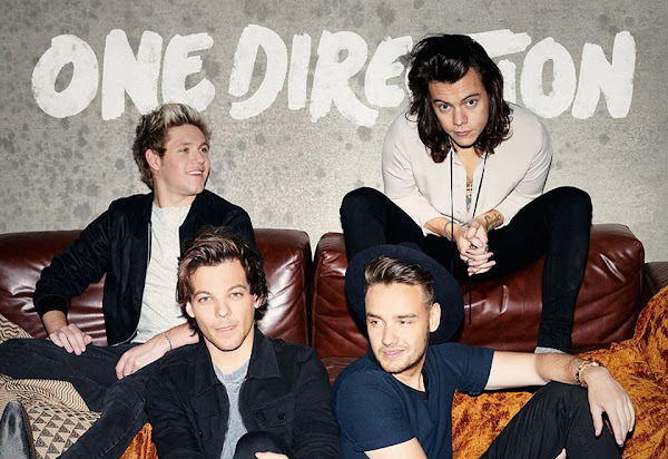 ONE DIRECTION - Half The World Away