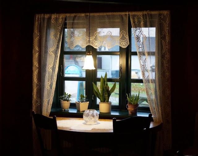 Tornby: Ein idyllisches Ausflugsziel in Nord-Dänemark. Das Café neben dem Kaufmannsladen ist ebenfalls ein tolles Ausflugsziel, besonders an Regentagen.