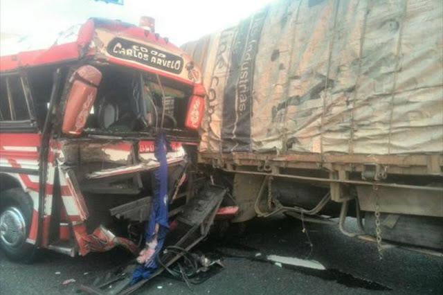 Autobús chocó contra una gandola a toda velocidad en Carabobo