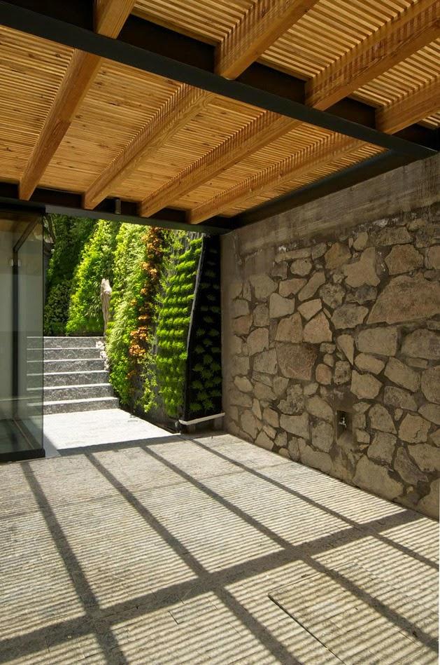 Rumah Keluarga Minimalis Modern Alami