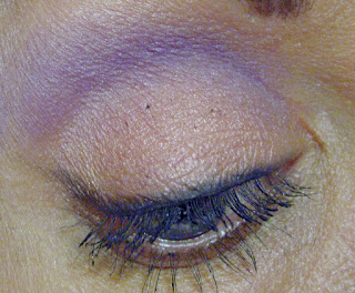 How to Remove Mascara Dots