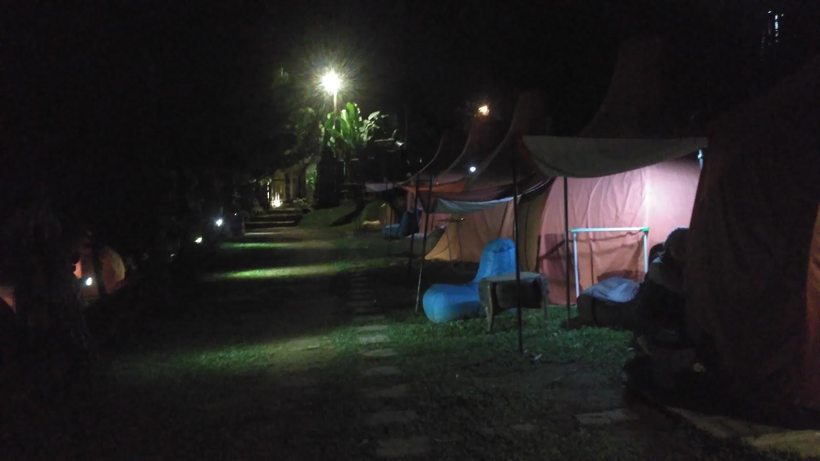 Suasana malam Camping Ground The Lodge Maribaya