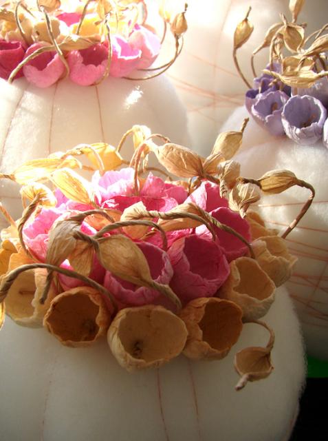 centrotavola in cotone e fiori di carta per Matrimoni green, by Alessandra Fabre Repetto Roma