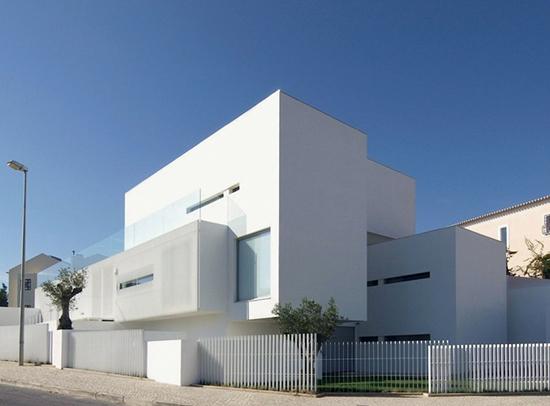 berbagi gambar fasade unik bangunan