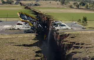 fake earthquake image created by Hollywood