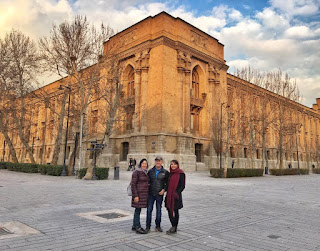 Our Tehran free tour covers popular tourist destinations as well as off-the-beaten path parts of the town. We offer guided tours that take you on foot around the heart of Tehran with an English-speaking guide.