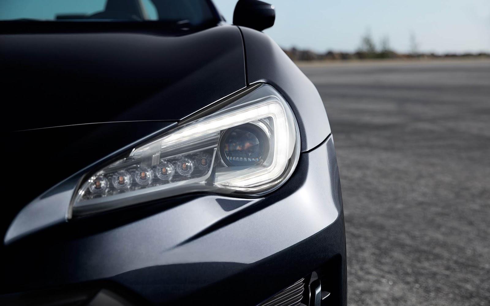 Hút hồn với vẻ đẹp của Subaru BRZ 2017