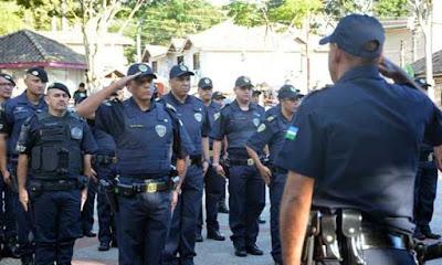 GCM de Ribeirão Pires recebe armas e fardas novas