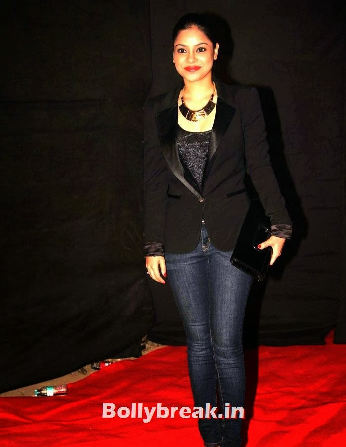Sumona Chakravarti, Colors Golden Petal Awards Dec 2013 Photos