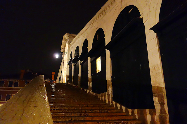 Hrůzostrašná legenda o ďáblovi a mostu Rialto