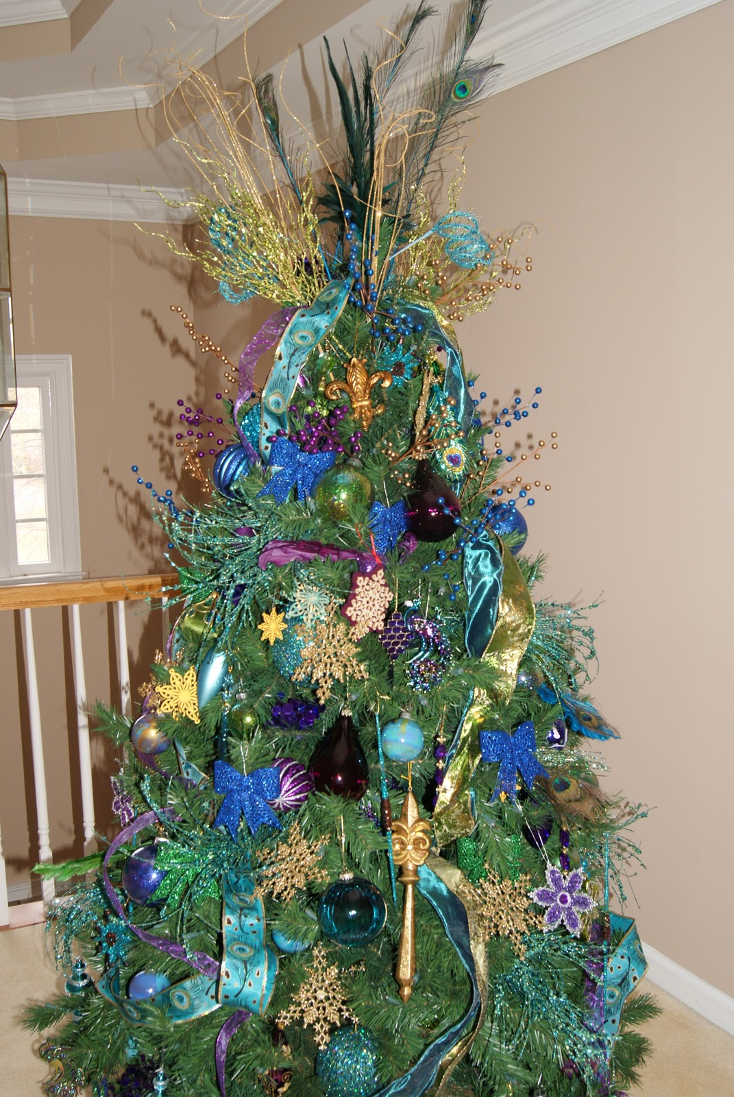 It S The Little Things How To Layer A Christmas Tree