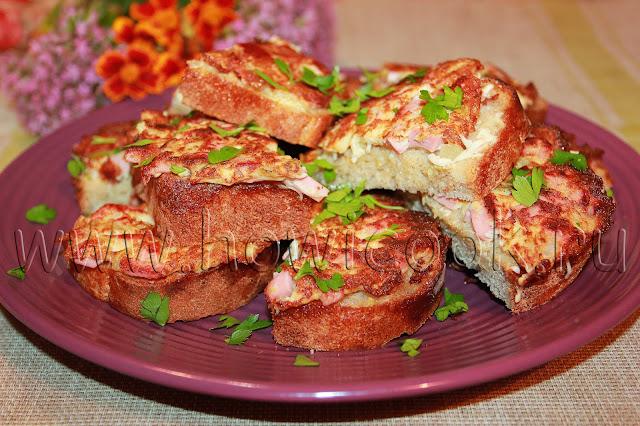 рецепт горячих бутербродов с колбасой и огурцами на завтрак