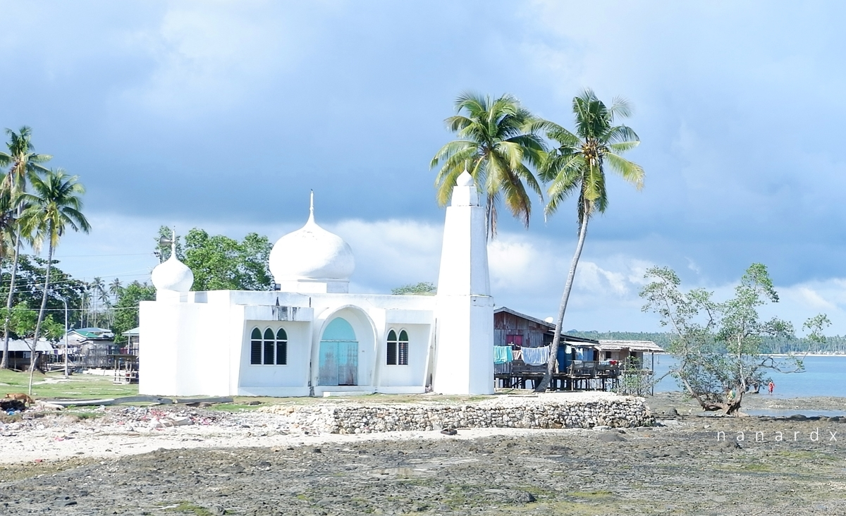 White Mosque by the Bay in Tawi-Tawi
