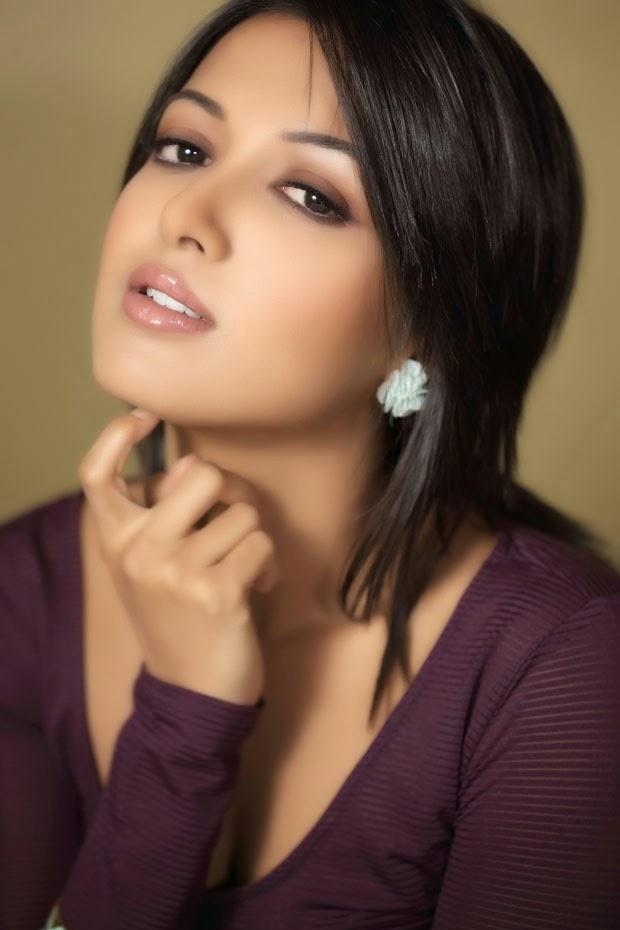 Actress CatherineTresa Latest Images