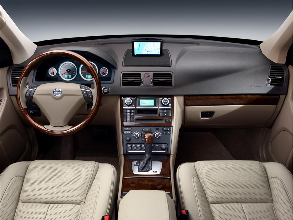 cars pictures information 2011 volvo xc90 review. Black Bedroom Furniture Sets. Home Design Ideas