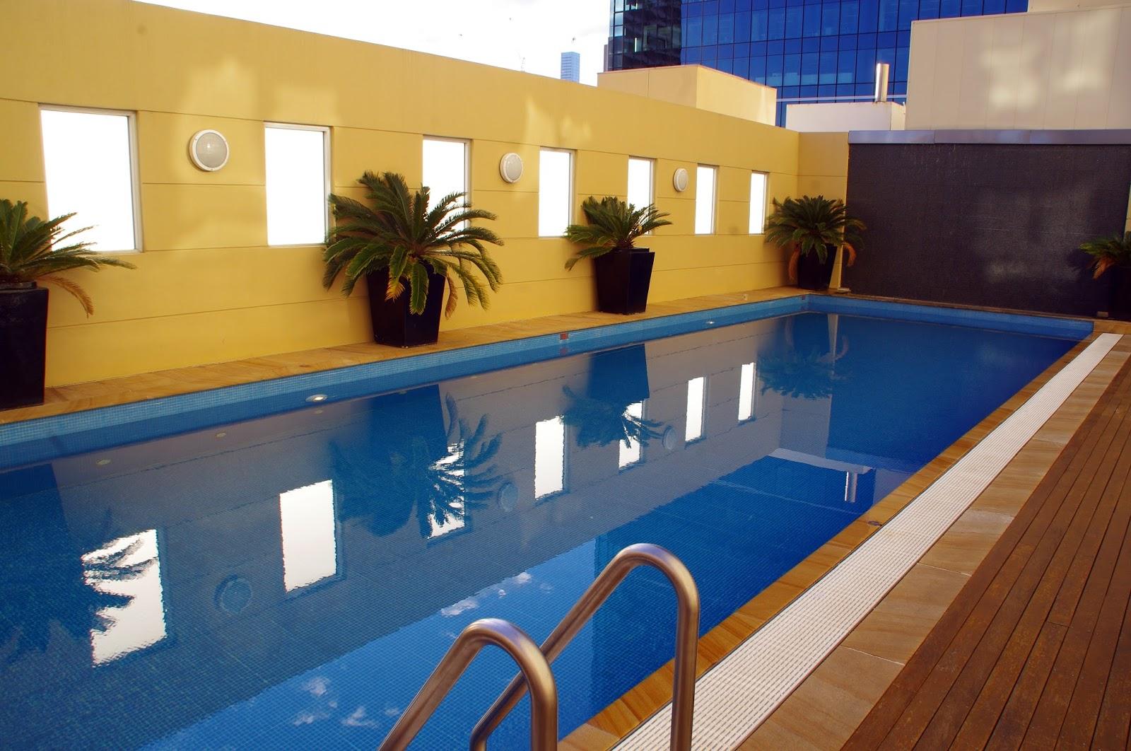 Swimming pool at swissotel sydney