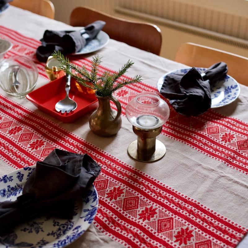 Joulu vanhassa talossa. Kirppislöydöt. Vanhat astiat.