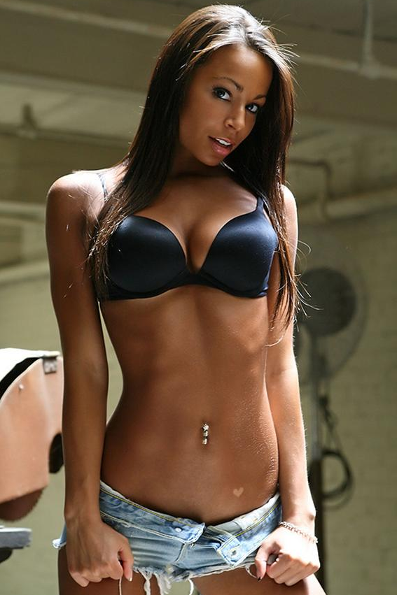 En pelicula foto chica medias negra desnuda 20