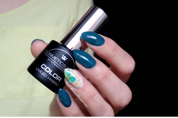 Cosmetics Zone | lakier hybrydowy | 047 Aventurine Blue | farbki akwarelowe |manicure hybrydowy | inspiracje paznokciowe | kwiaty na paznokciach | blur effect |  floral watercolor nails |  watercolor nails | watercolor flower nail art |