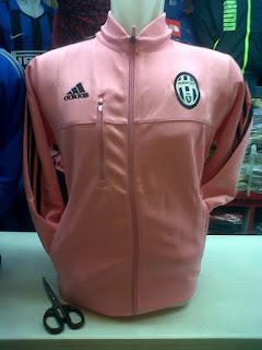 desain gambar terbaru jaket juventus away warna pink photo foto kamera Jual Jaket Juventus away Adidas terbaru musim 2015/2016 di enkosa sport toko online terpercaya lokasi di jakarta pasar tanah abang