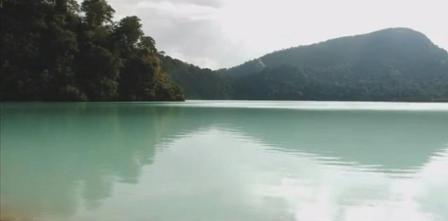 Danau Tingga di Gunung Sago