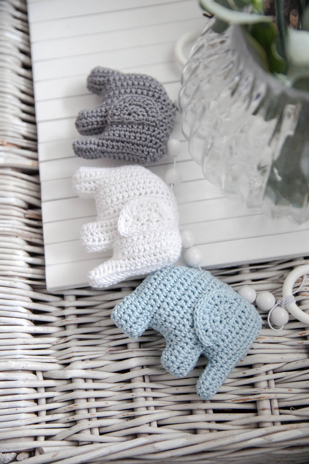 vaunulelu norsu vauvalle