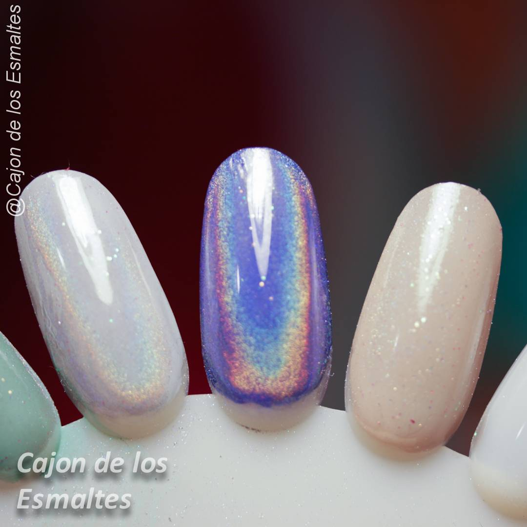 Uñas con gel y pigmento o polvo holográfico | Cajon de los esmaltes