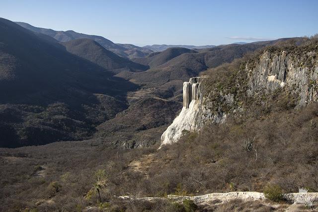cascadas petrificadas de hierve el agua