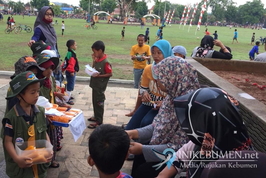 Lewat Market Day, SD Alam Lukulo Kebumen Ajarkan Siswanya Berwirausaha