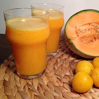 Sumo de ameixa, meloa e laranja
