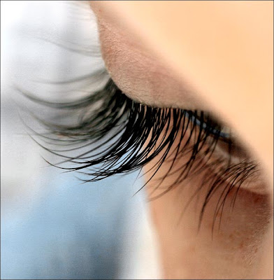 Homemade Castor Oil Serum for Eyelash Hair Growth - DIY