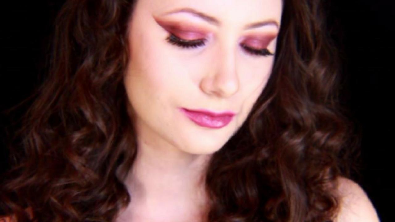 Motd firey red valentines day makeup tutorial kosmic kristen motd firey red valentines day makeup tutorial baditri Gallery