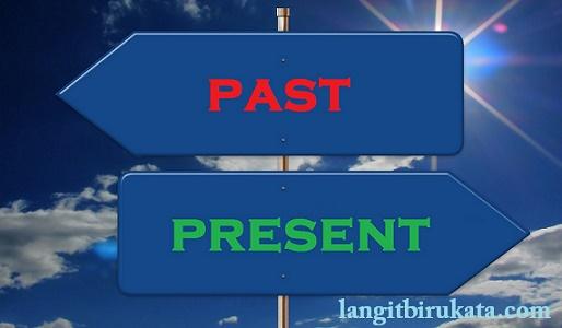 Beda Present Tense dan Past Tense