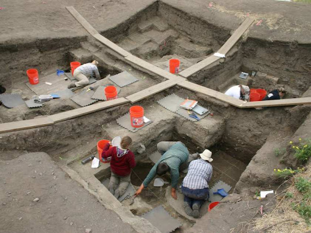 Archaeologists unearth ancient pithouse in British Columbia's Fraser Canyon