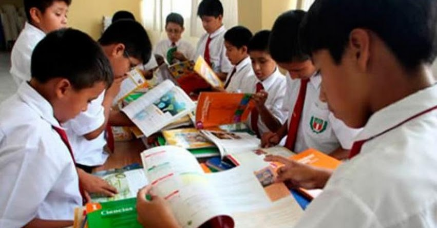 MINEDU niega información sobre textos escolares