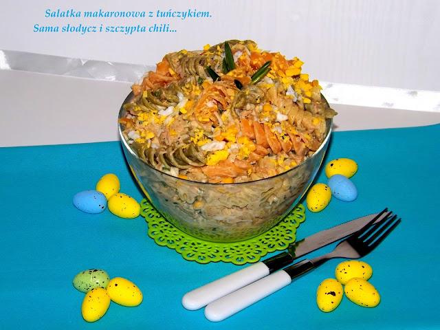 Makaronowa sałatka z tuńczykiem.