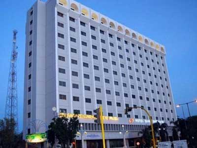 Hotel Ini Telah Menawarkan Berbagai Fasilitas Yang Memadai Dan Nyaman Sebagai Tempat Tinggal Sementara Selama Berada Di Kota Surabaya