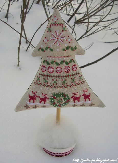 Mon beau sapin, Création Point de Croix, вышитая елка, шарики с вышивкой