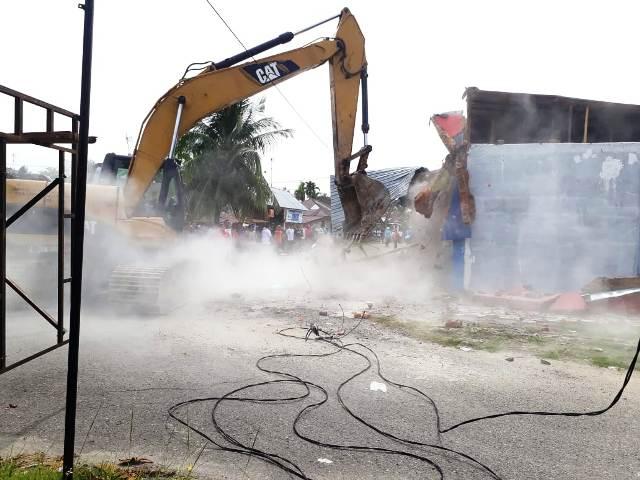 Dimenangkan Sartini Rizal, Pengadilan Negeri Pariaman Eksekusi Bangunan di Kampung Baru Pariaman