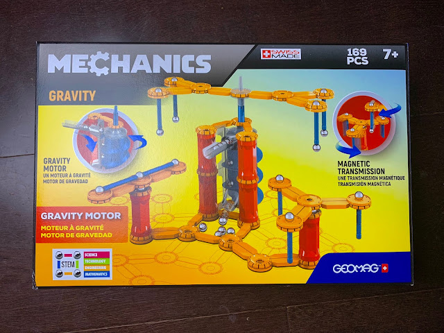 The unopened Geomag Gravity Box