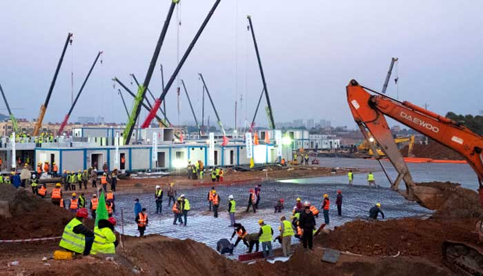China builds hospital in just 10 days: Photo feature