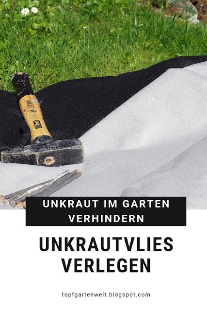 Unkraut im Garten, besonders unter dem Gartenzaun, kann ganz schön lästig sein. Mit Hilfe von Unkrautvlies lässt es sich zumindest zum Teil abdecken. Enthält Werbung. #unkrautvlies #unkraut #garten #topfgartenwelt