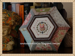 http://anetascamisetas.blogspot.com.es/2017/01/bombonera-o-joyero-de-patchwork.html