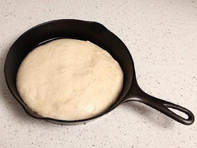 pizza teflon praktis, hemat dengan tepung premix